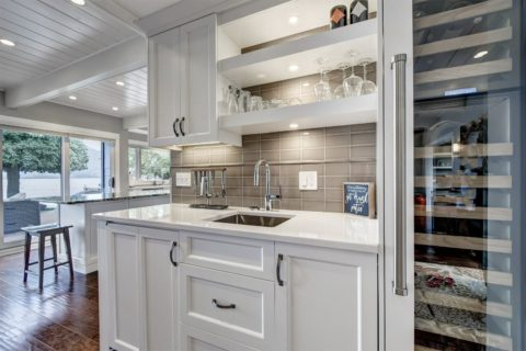 Kitchen Facelift – On the Lake in West Kelowna